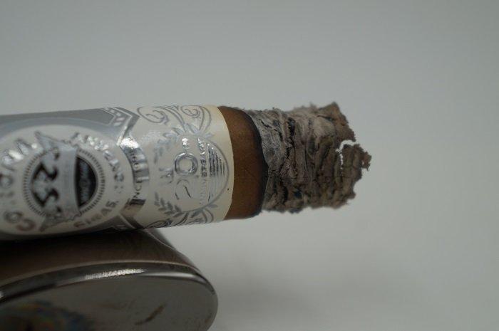 Team Cigar Review: Corona Cigar Nicaraguan 20th Anniversary FSG Corona Gordo