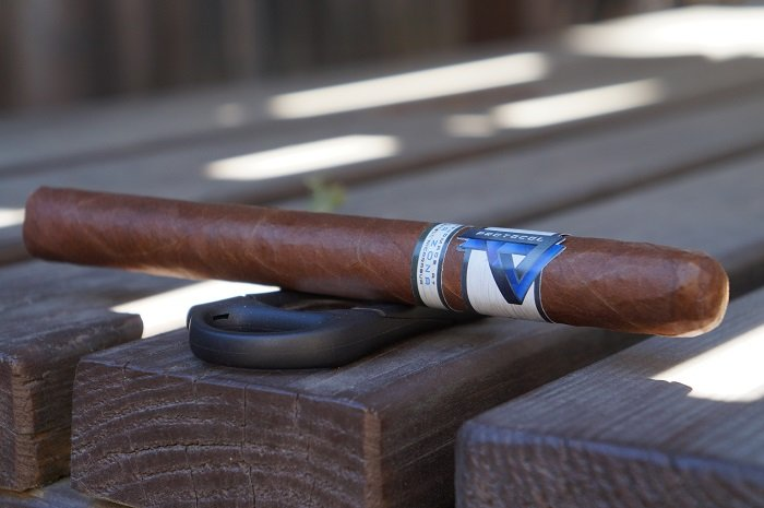 Team Cigar Review: Cubariqueño Protocol Double Corona