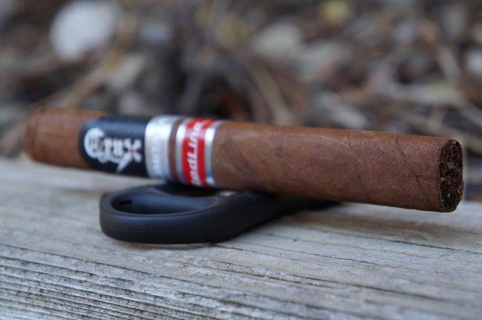 Team Cigar Review: Crux Limitada Redline Toro