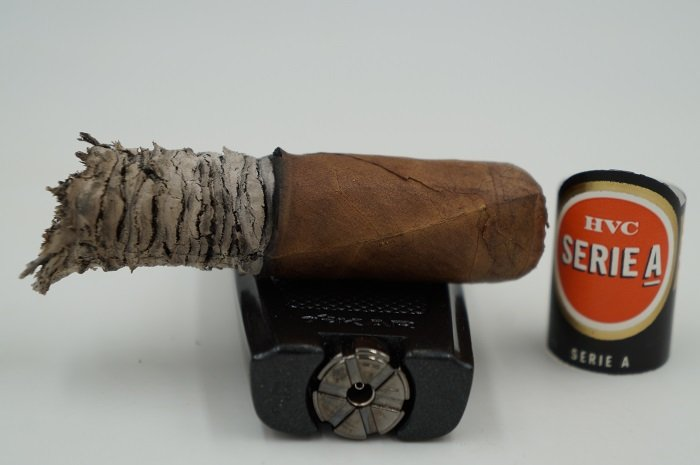 Team Cigar Review: HVC Serie A Perlas