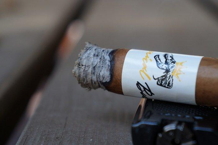 Personal Cigar Review: Jas Sum Kral Tyrannical Buc Connecticut Generosos