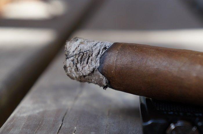 Team Cigar Review: Davidoff 100th Anniversary Diademas