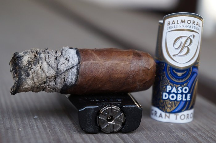 Team Cigar Review: Balmoral Serie Signaturas Paso Doble Gran Toro