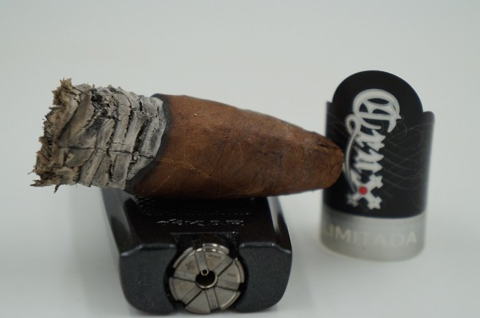 Team Cigar Review: Crux Limitada Short Salomone