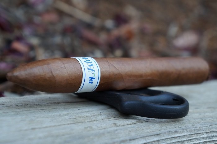 Team Cigar Review: Bombay Tobak M.Esteli Torpedo