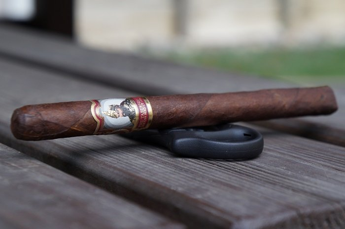 Team Cigar Review: Foundation Tabernacle CT Havana Seed #142 Lancero