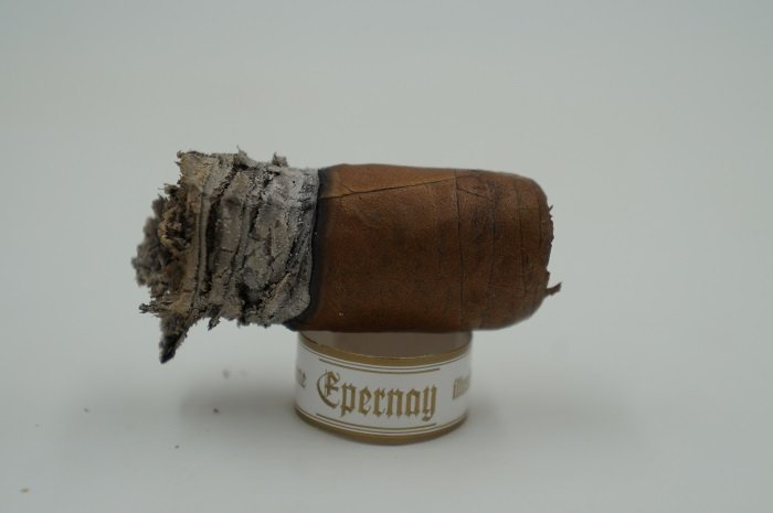 Team Cigar Review: Illusione Epernay 10th Anniversary d'Aosta