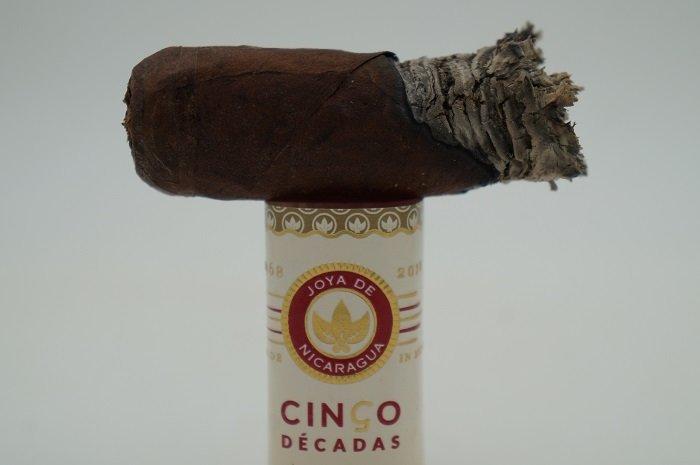 Team Cigar Review: Joya de Nicaragua Cinco Decadas Fundador
