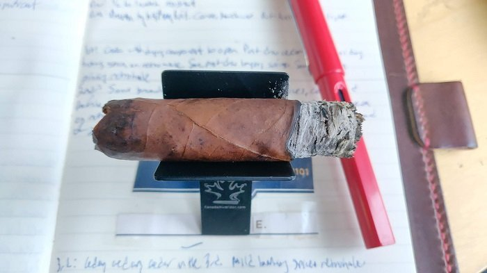 Team Cigar Review: Room101 FARCE Maduro Robusto