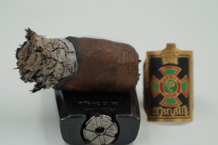 Team Cigar Review: Foundation Menelik