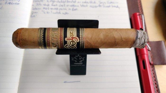 Team Cigar Review: Saga Solaz Robusto