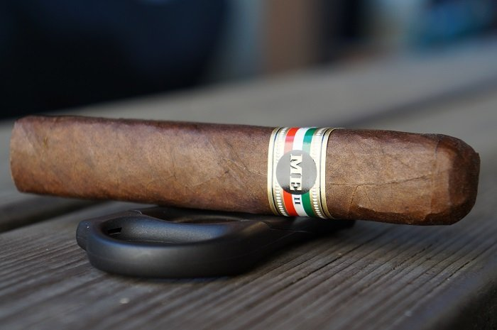 Team Cigar Review: Tatuaje ME II Robusto