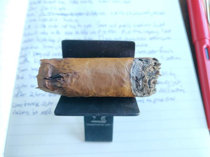 Team Cigar Review: 7-20-4 WK Series Churchill