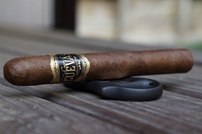 Team Cigar Review: Casa Cuevas Maduro Toro