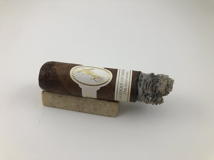 Personal Cigar Review: Davidoff of Geneva 25th Anniversary