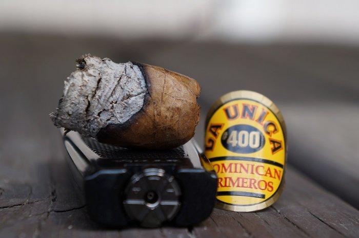 Team Cigar Review: La Unica Natural No. 400