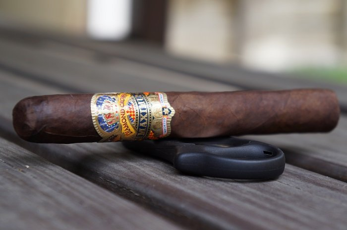 Team Cigar Review: Diamond Crown Maximus Toro No. 4