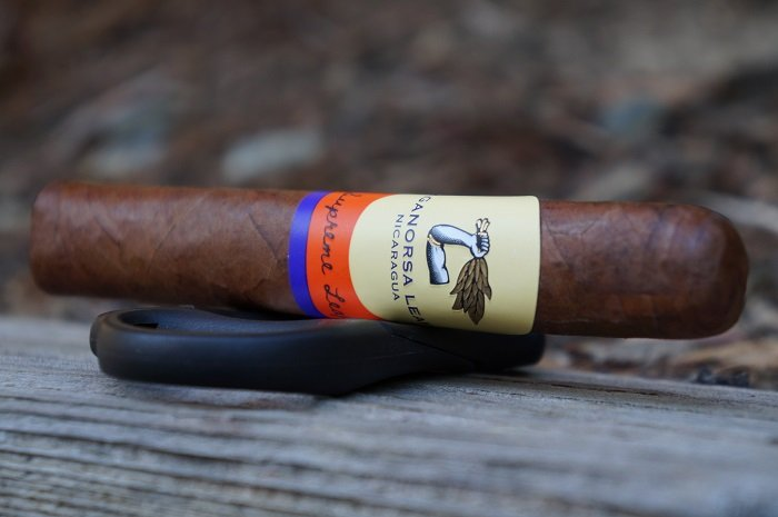 Team Cigar Review: Aganorsa Leaf Supreme Leaf Robusto