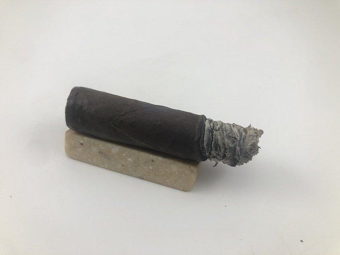 Team Cigar Review: Black Label Trading Co. Bishops Blend 5 Year Anniversary Corona Gorda