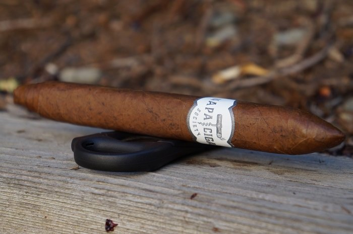 Team Cigar Review: Napa Cigar Society Perfecto