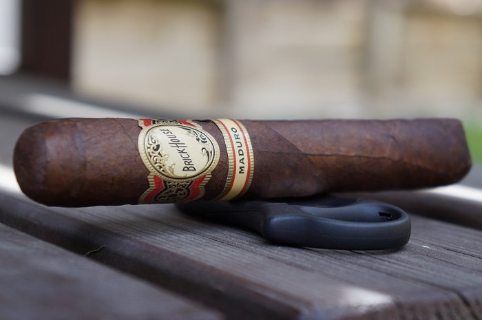Team Cigar Review: Brick House Mighty Mighty Maduro