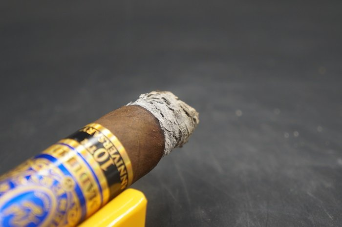 Team Cigar Review: Perdomo 10th Anniversary Maduro Robusto