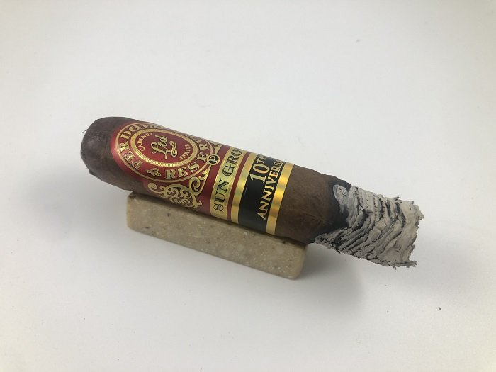 Team Cigar Review: Perdomo 10th Anniversary Sun Grown Robusto