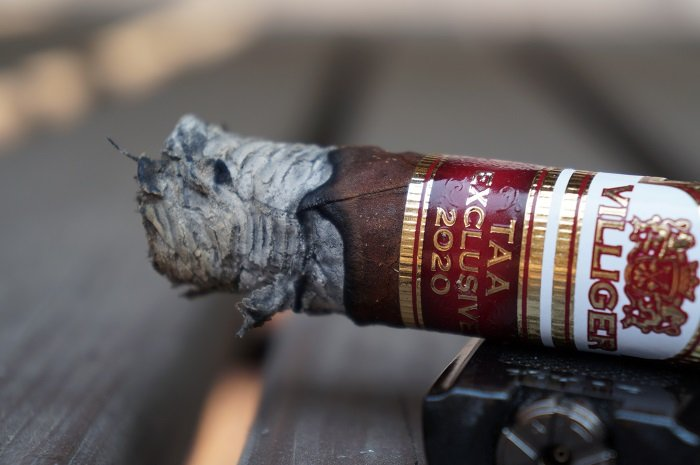 Team Cigar Review: Villiger TAA Exclusive 2020