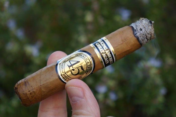 Team Cigar Review: ted's Trump Presidential Cigar