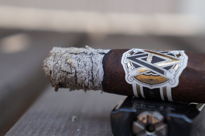Team Cigar Review: AVO Classic Maduro No. 2