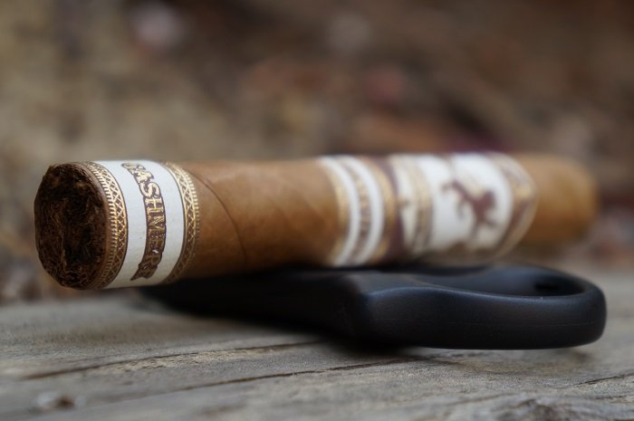 Team Cigar Review: Esteban Carreras Cashmere Boolit