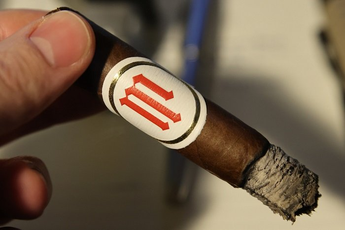 Team Cigar Review: Crowned Heads Mil Días Corona Gorda