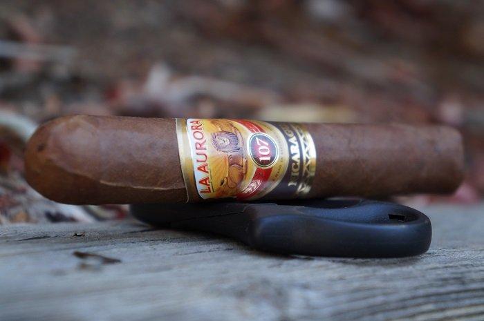 Team Cigar Review: La Aurora 107 Nicaragua Robusto