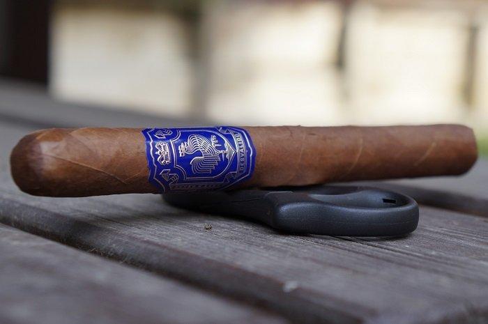Team Cigar Review: Dapper Desvalido Lonsdale