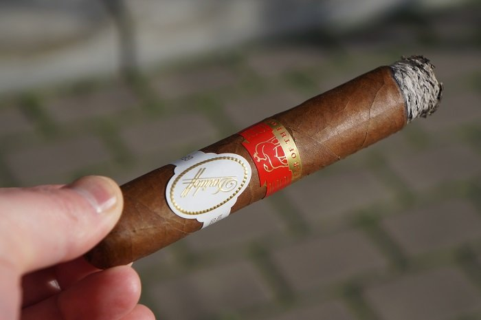 Team Cigar Review: Davidoff Year of the Ox