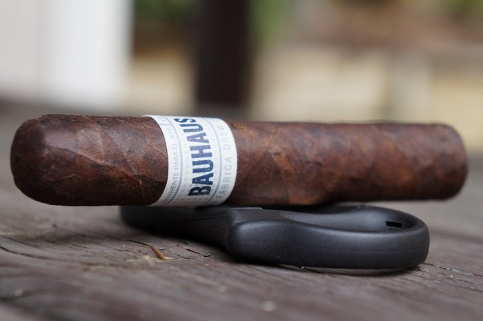 Team Cigar Review: Drew Estate Liga Privada Único Serie Bauhaus