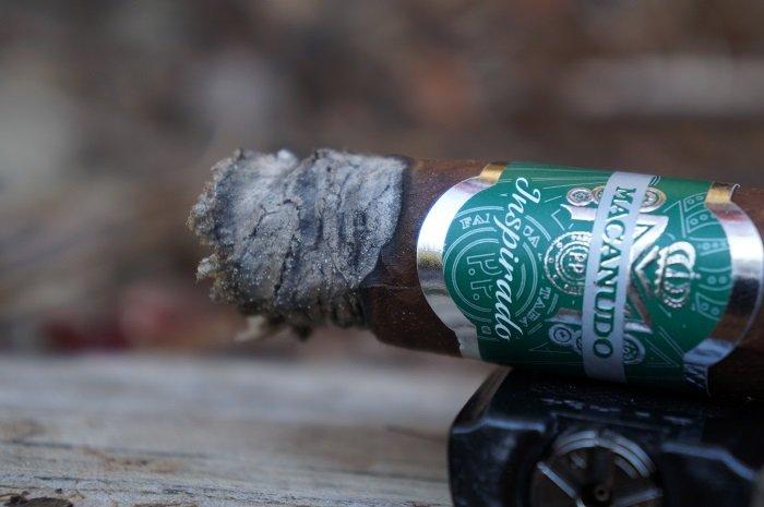 Team Cigar Review: Macanudo Inspirado Green Robusto
