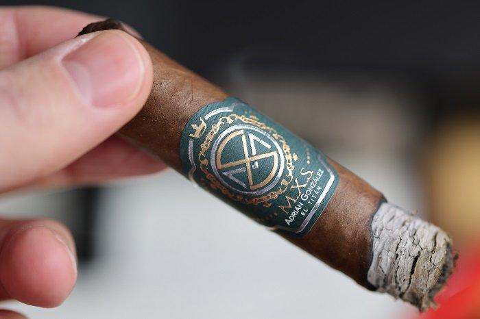 Team Cigar Review: A.C.E. Prime M.X.S. Signature Adrián González El Titán