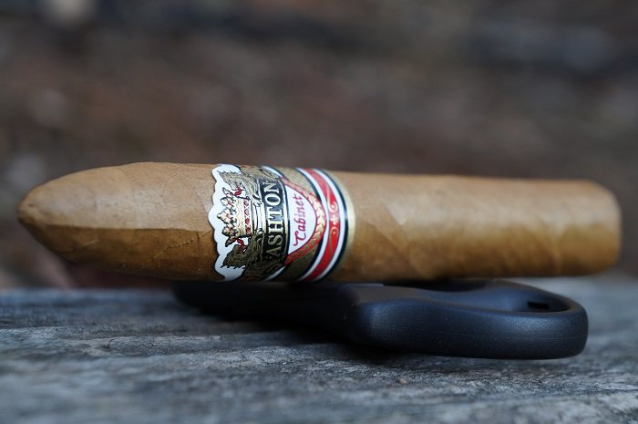 Personal Cigar Review: Ashton Cabinet Selection Belicoso