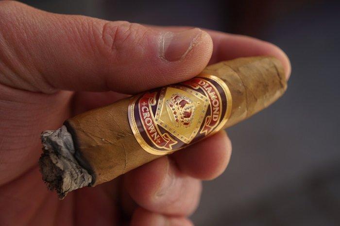 Team Cigar Review: Diamond Crown Pyramid No. 7