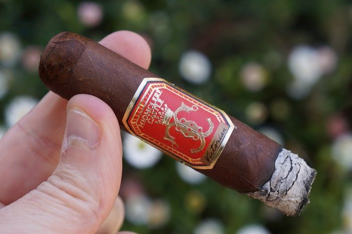 Personal Cigar Review: Highclere Castle Victorian Robusto