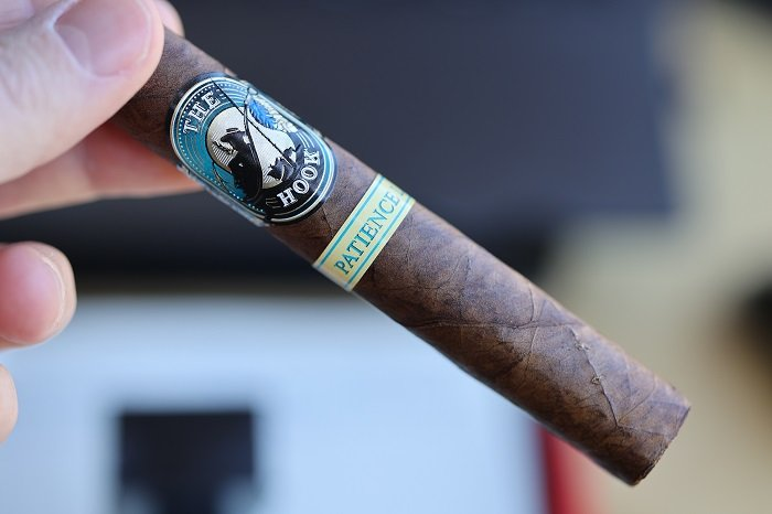 Team Cigar Review: Solitaro The Hook Patience Limited Edition