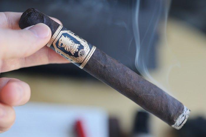 Team Cigar Review: Drew Estate Undercrown 10 Toro