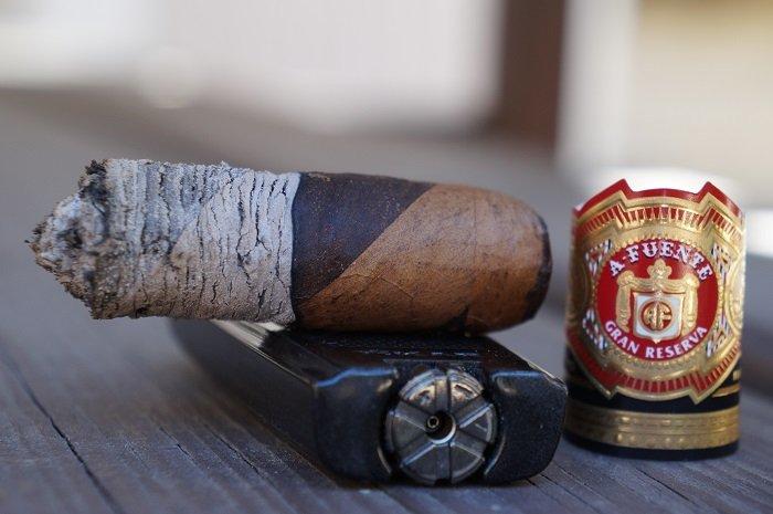 Personal Cigar Review: Arturo Fuente Hemingway Between the Lines