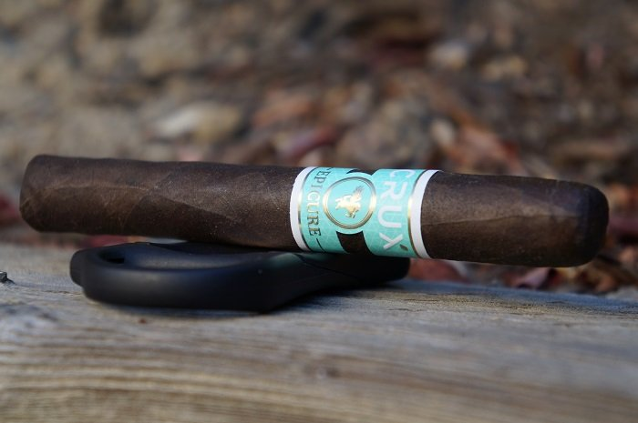 Team Cigar Review: Crux Epicure Maduro Corona Gorda