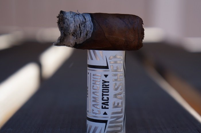 Team Cigar Review: Camacho Factory Unleashed