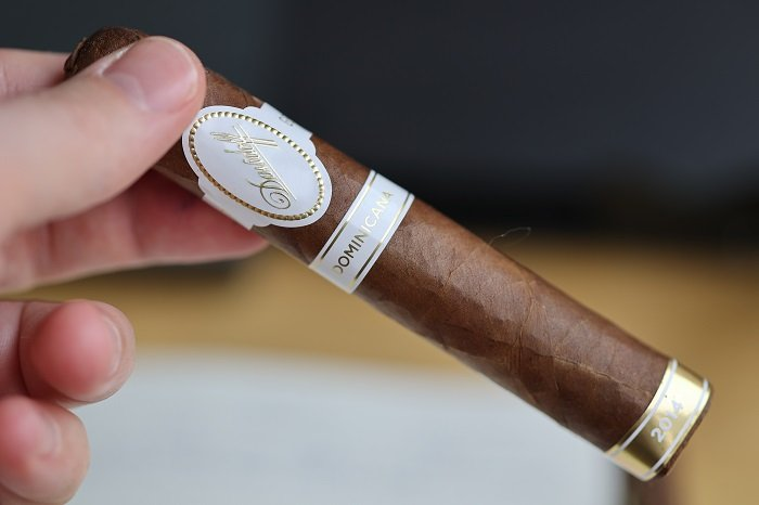 Team Cigar Review: Davidoff Dominicana Robusto