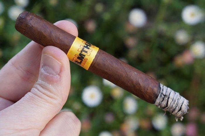 Personal Cigar Review: Dunbarton Tobacco & Trust Muestra De Saka #NLMTHA